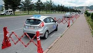 Sürücü kursları, 'katı önlemlerle' yeniden eğitime başlıyor