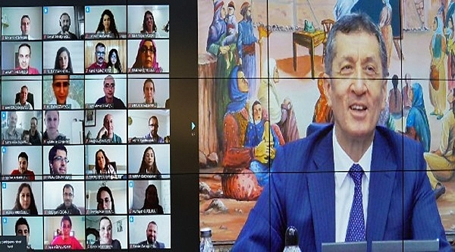 Bakan Öğretmenlerle Zümre Toplantısı Yaptı