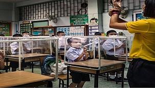 Tayland'da Okullar Böyle Açıldı!