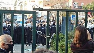 Protesto gösterilerinde gözaltına alınan 16 kişinin Boğaziçi Üniversitesi öğrencisi olmadığı belirlendi