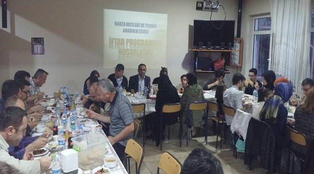 Öğretmenler İftar Yemeğinde Buluştu